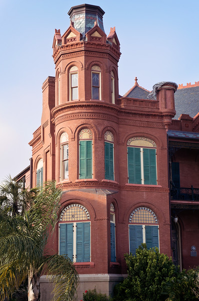 An example of the Queen Anne style of Victorian architecture in Galveston, Texas.
