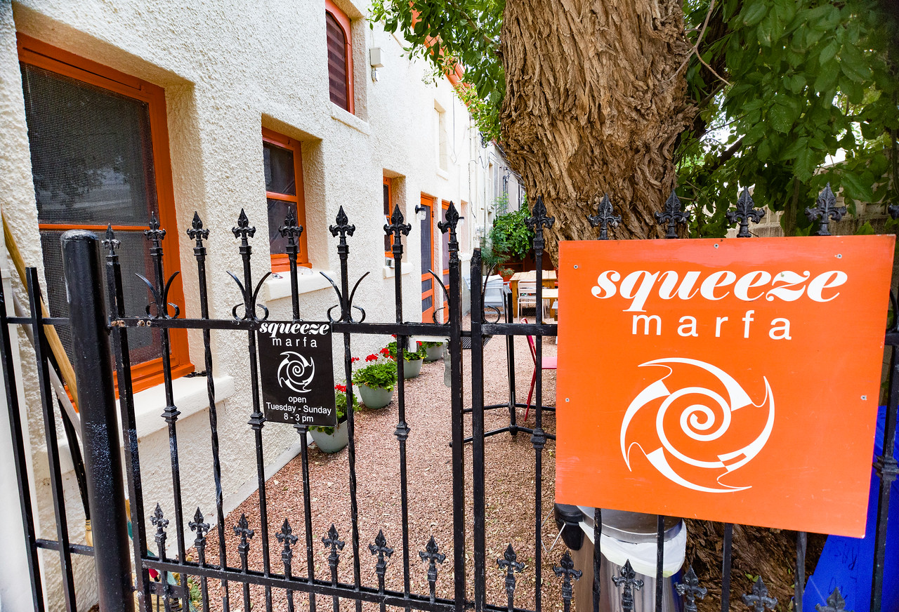 Squeese Marfa is a popular breakfast restaurant.