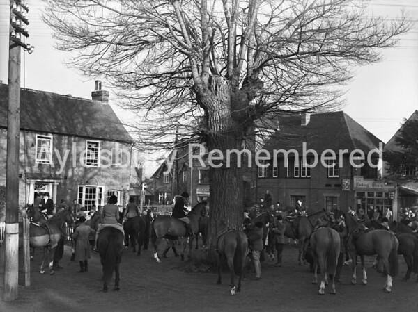 Old Berkeley Hunt at Aston Clinton, Jan 12th 1950