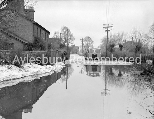 Floods at Rowsham Road, Bierton, Mar 13 1947