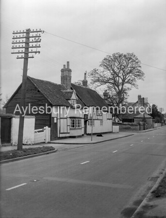 Red Lion, Bierton, Jan 21st 1954