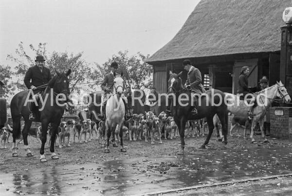 Berkeley Beagles at Great Kimble, Oct 1945