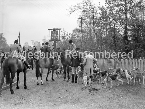 Old Berkeley Hunt at The Bell pub in Stoke Mandeville, Nov 19 1945