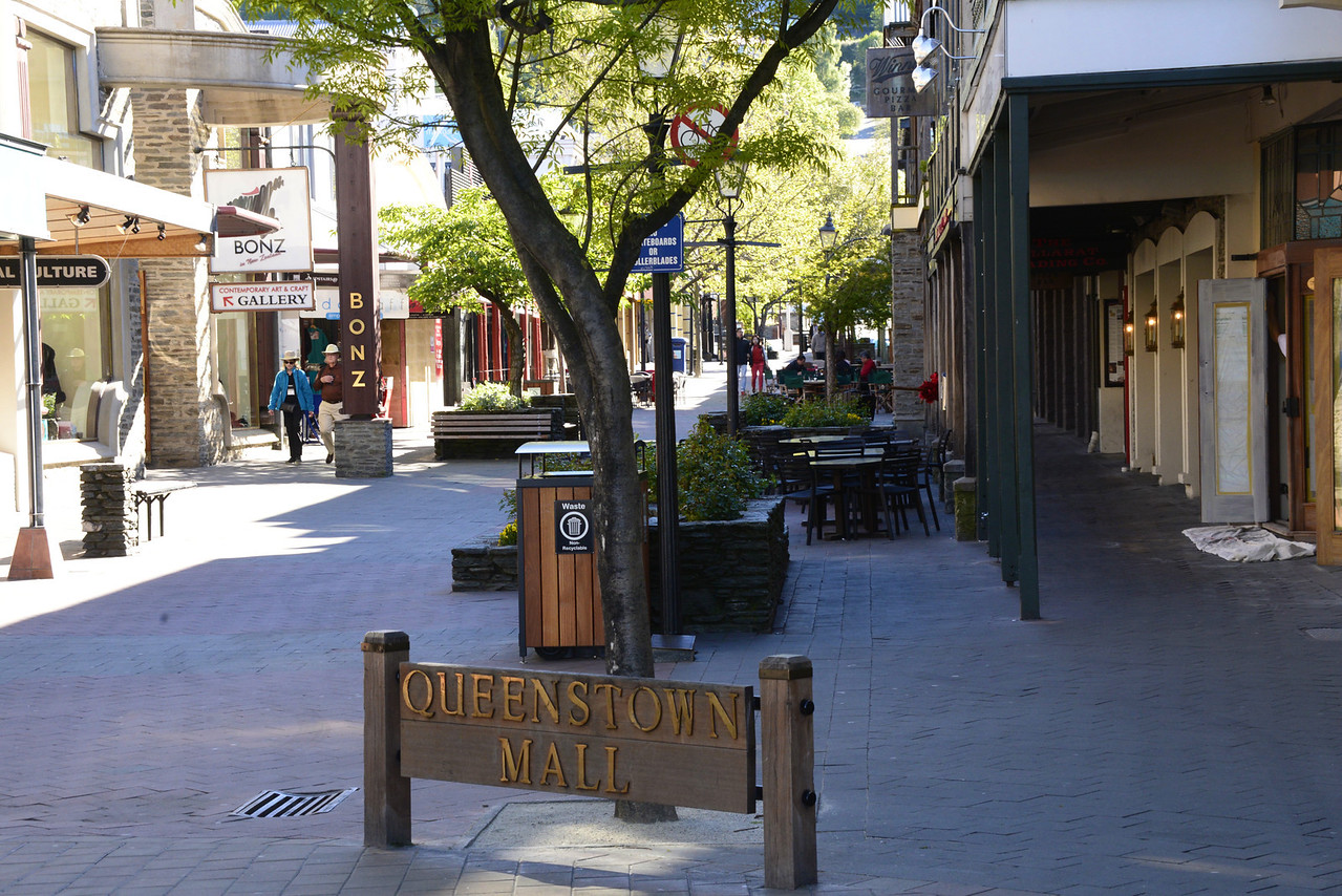 Queenstown Mall or Pedestrian Shopping Area