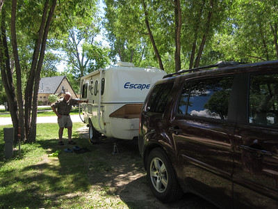 Since we were somewhat concerned about pulling into Wind Cave's campground late in the evening, we decided to split up our drive to Western South Dakota into two easy days.  So we stayed at a former KOA in Buffalo, WY.