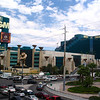 There's MGM Grand Las Vegas and it's 5,044 guest rooms! Holy moly that's BIG! :-)