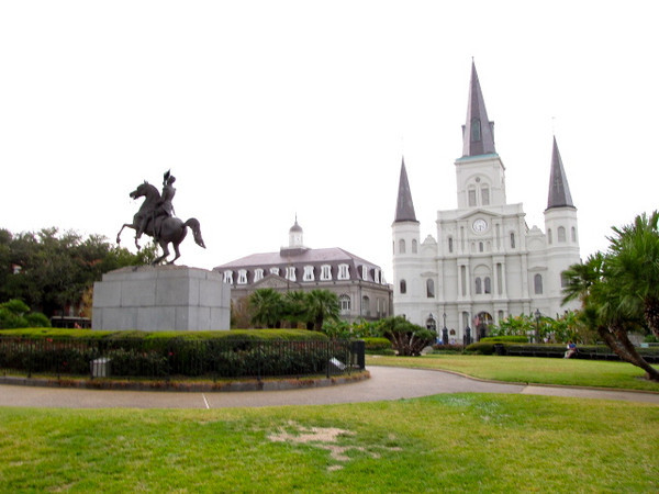 There's a peek at Jackson Square, a historic park in New Orelans' French Quarter.