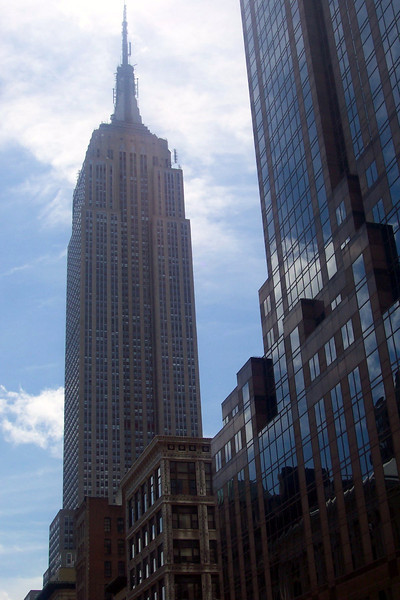 "Anyone see this building before?? :-)  That's right, it's the world famous ""Empire State Building""."
