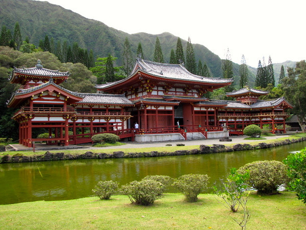 "Visiting the ""Byodo-In Temple"", a replica of a 900 year old Japanese temple, was definitely one of the highlight's of today's journey!"
