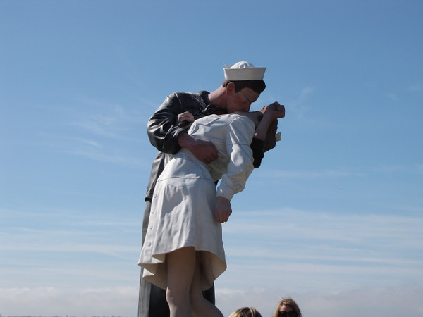 """Around the ship they have some other war-time memorials like this huge """"kissing couple"""" statue."""