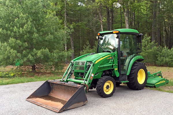 John Deere 3320 Cab Over