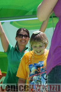1   Kids getting slimed (4)