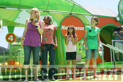 1   Kids getting slimed (19)