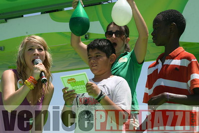 1   Kids getting slimed (11)