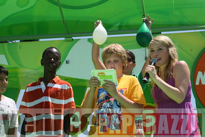 1   Kids getting slimed (2)