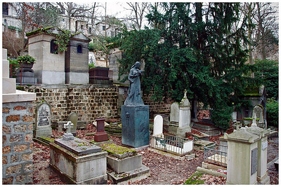 Deep in Pere Lachaise