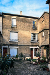 This upper floor apartment was in the 13th Arrondissement was my home base for most of the nine days I was in Paris. It was very kind of the Meljac family to provide this for me free of charge.