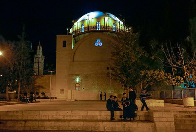 boys playing in front of Hurva Synagogue