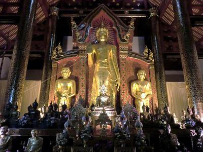Many Buddhas: Wat Chedi Luang Varaviharin