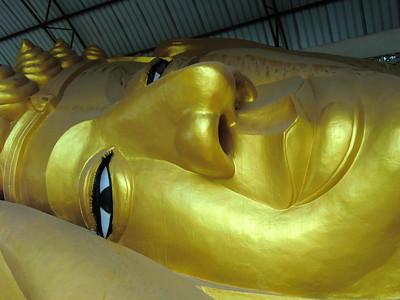 Reclining Buddha: Sanpatong 1