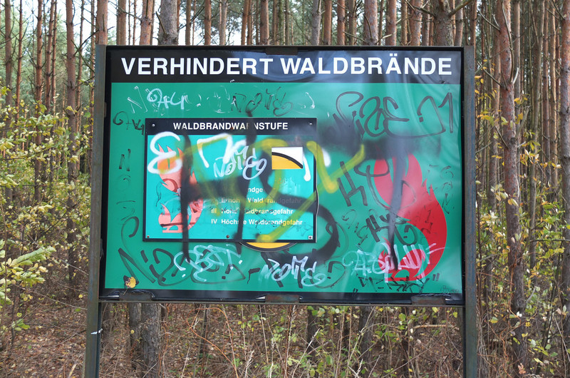 Warning, graffiti