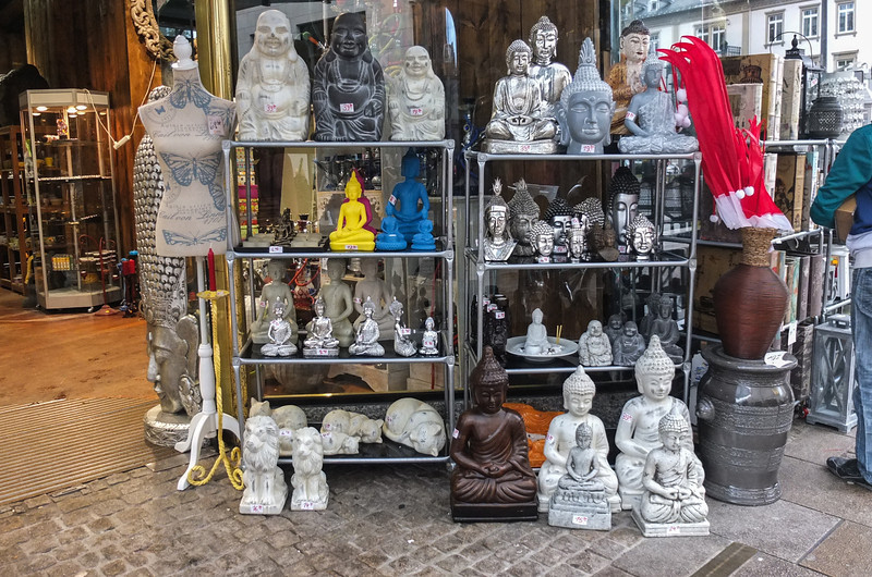 Buddhas on the street