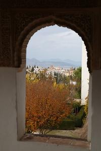 JPG Inside the Palacio de Generalife, AlbaicÍn can be seen - 18/11/18