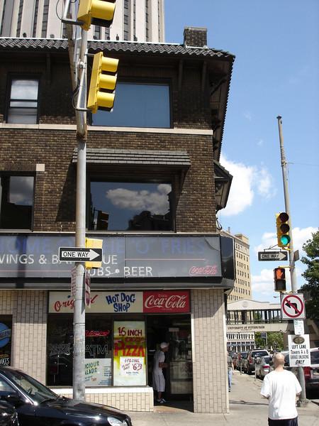 """<a href=""""http://www.hollyeats.com/OriginalHotDog.htm"""">http://www.hollyeats.com/OriginalHotDog.htm</a>"""