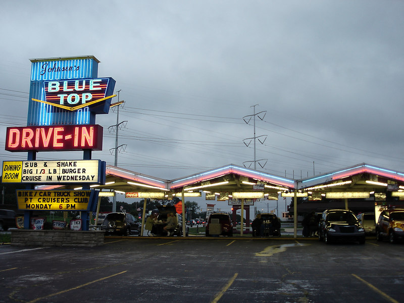Johnsen's Blue Top Drive In - just south of Chicago in Hammond, IN - classic retro drive in.