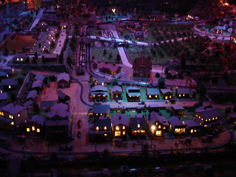 Nighttime at Roadside America