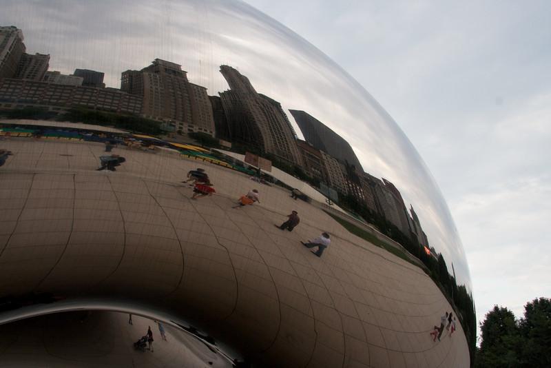 """""""The Cloud"""" in Chicago's Millenium Park"""