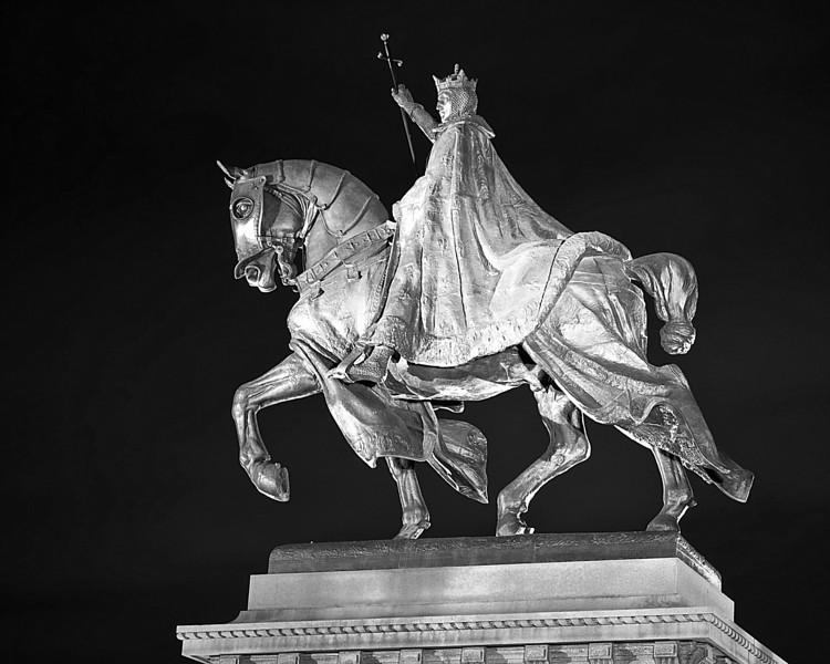 potheosis of St. Louis (Louis the IX) in front of St. Louis Art Museum (SLAM) black & white