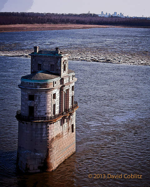 Chain of Rocks water tower
