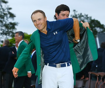 12-04-15 European Tour 2015, The Masters Tournament, Augusta National GC, Augusta, Georgia, USA. 09-12 Apr. Jordan  Spieth of United States Bubba Watson, left, helps Jordan Spieth, right, into his green jacket after Spieth won the Masters during the final round. # NO AGENTS #