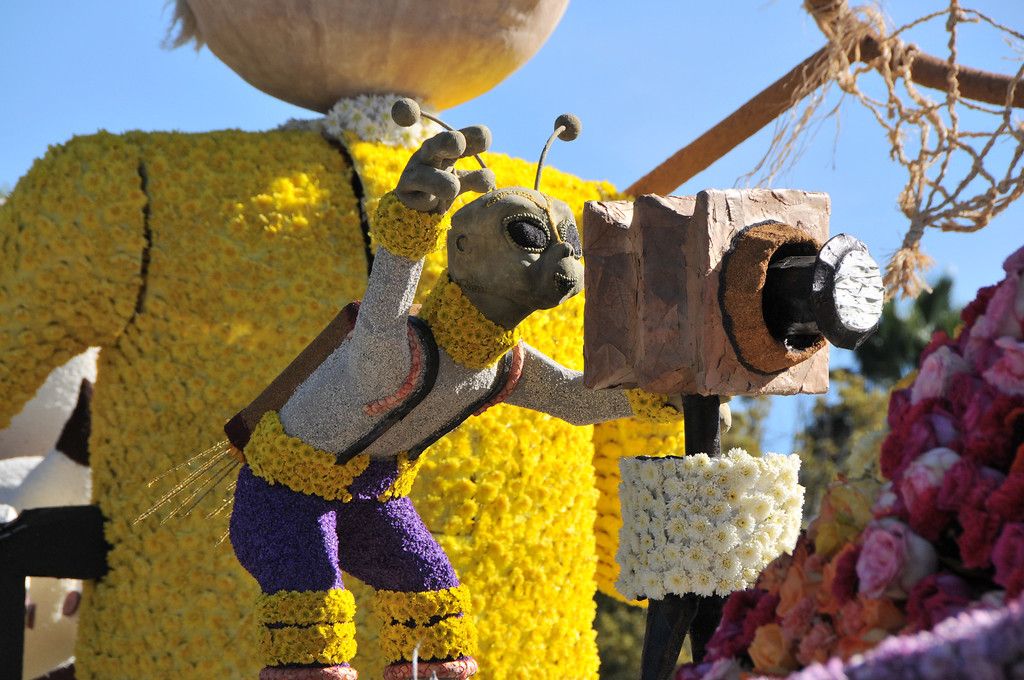 . Close up views of several floats on display at the 125th Rose Parade\'s Showcase of Floats was staged on Sierra Madre Boulevard between Washington Boulevard and Sierra Madre Villa Avenue, and Washington Boulevard between Sierra Madre Boulevard and Woodlyn Road.  Pasadena, CA January 1, 2014.(John McCoy/Los Angeles Daily News)