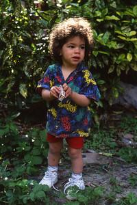 Dimanche 15/05/1994.  Saskia chez Mammireine.  Tout le monde lui envie sa chevelure.