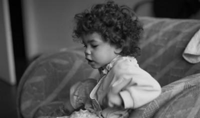 Samedi 14/05/1994.  Ma petite Saskia dans le fauteuil.