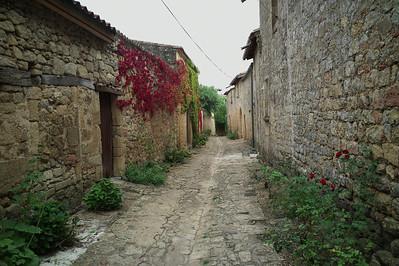 Ruelle à Saint-Macaire.