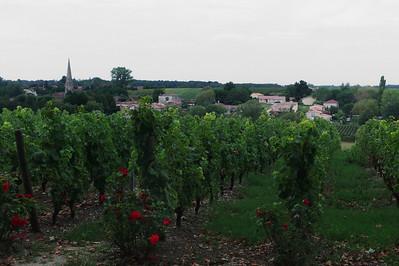 Le village de Sauternes.  Vue sur le village à partir du château d'Arche.