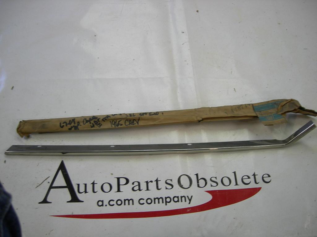 1965 66 67 68 Chevrolet windshield pillar drip molding NOS #7685044 (A 7685044)
