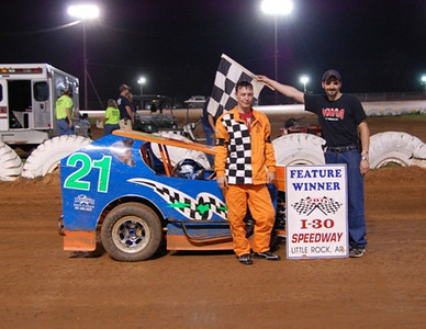 Mod-Lite Feature Winner #21 Joey Bradshaw