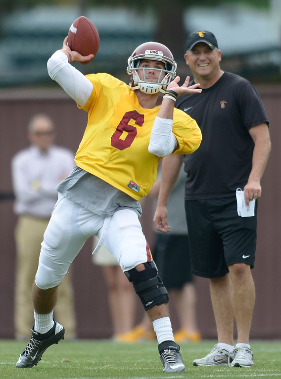 . Cody Kessler throws the ball. The coaches at USC are running the Trojans through their paces with spring practices on the school campus. Los Angeles, CA. 4/10/2014(Photo by John McCoy / Los Angeles Daily News)