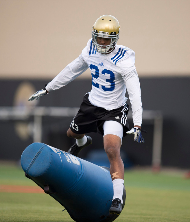 . UCLA defensive back Anthony Jefferson #23 during football practice at Spaulding Field on the UCLA campus Monday, April 21, 2014. (Photo by Hans Gutknecht/Los Angeles Daily News)