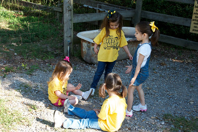 Anna, Morgan, Addyson, and Emilynn entertaining each other before the field trip started.