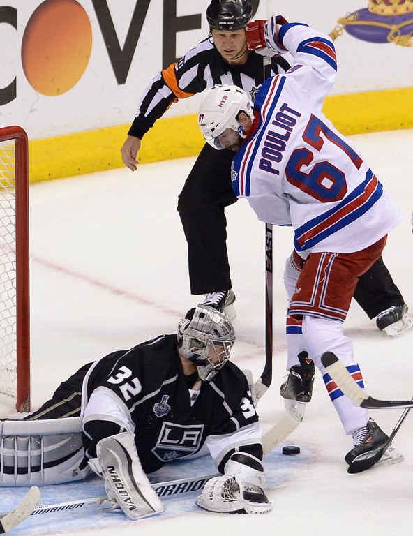. Rangers#67 Benoit Pouliot can not get the puck past Kings#32 Jonathan Quick in the first overtime period. The Kings played the New York Rangers game 5 of the Stanley Cup Final at Staples Center in Los Angeles, CA. 6/13/2014(Photo by John McCoy Daily News)