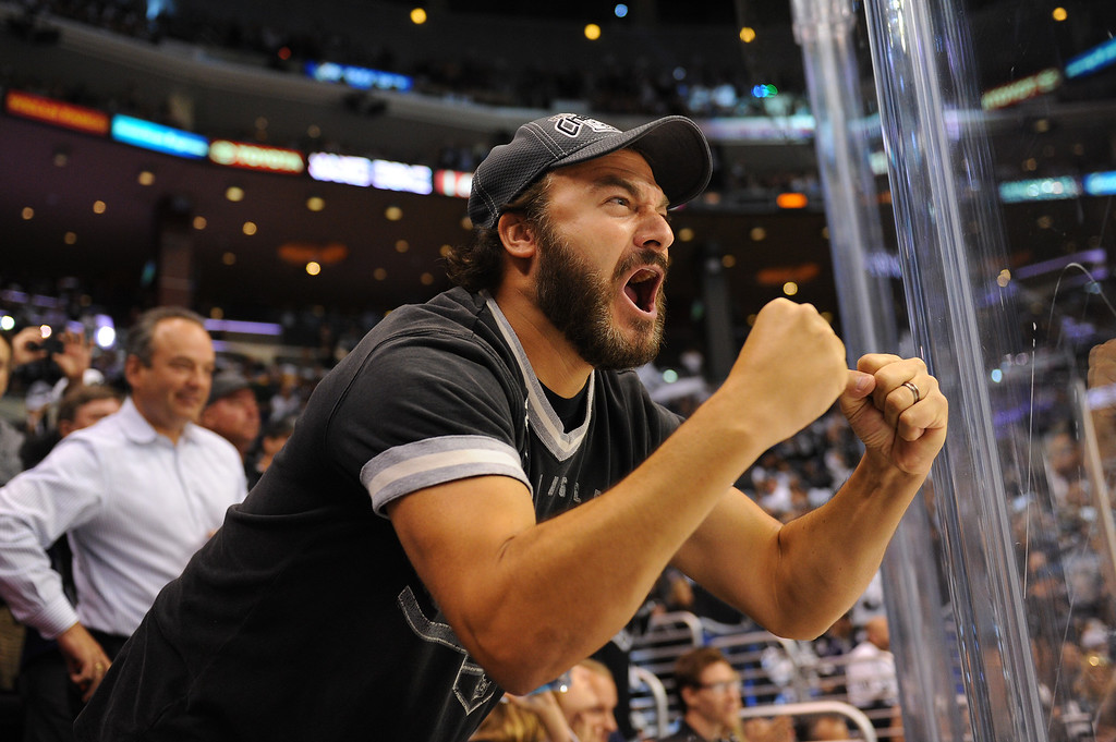 . A Kings\' fan yells at the Rangers, Friday, June 13, 2014, at Staples Center. (Photo by Michael Owen Baker/Los Angeles Daily News)