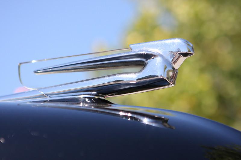 106 Cadillac ornament