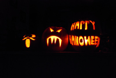 08, October 26:  Pumpkin Carving