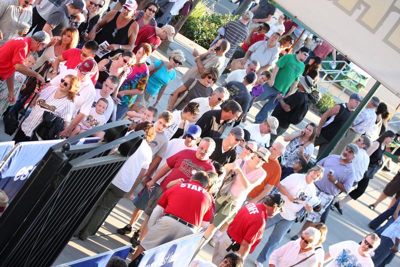 120 Crowd entrance