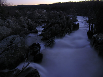 Great_falls_at_night2